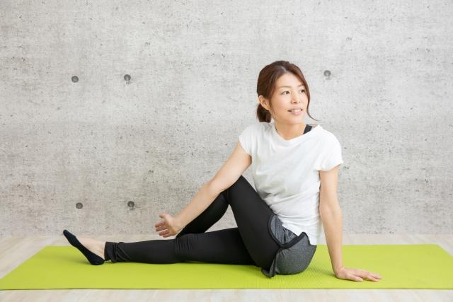 軽いストレッチ運動 姿勢と腰痛との関係